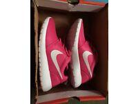 Nike Roshe Run Size 5 Brand New