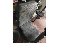 Land Rover defender middle centre seat