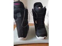 Burton Mint snowboard boots size 6