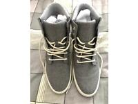 Men's Timberland Newport Canvas Shoes - UK 9 - Brand New