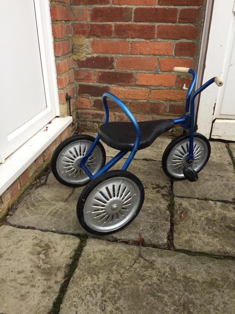 Mobo Pedal Tricycle