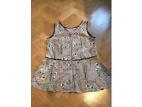Oasis Floral Ladies Top In Very Good Condition