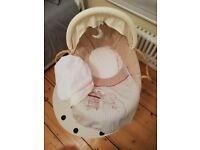 Mamas and Papas Moses Basket set - great quality!