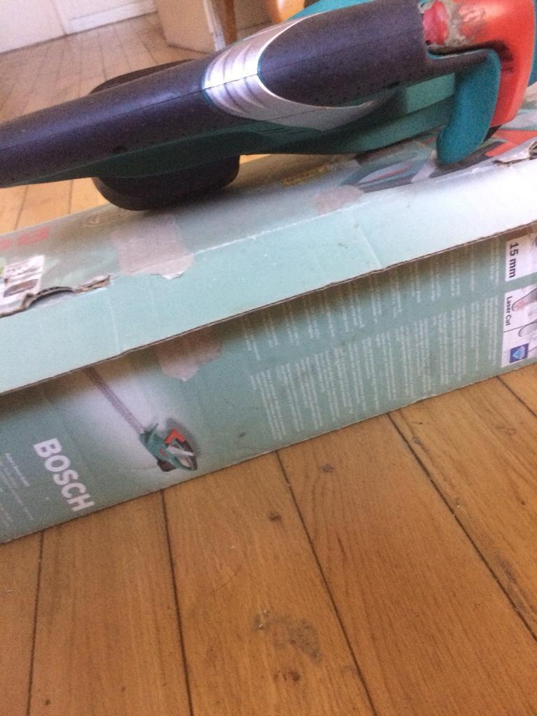 Cordless hedge trimmerin Moneymore, County Londonderry - Bosch AHS48LI Lithium ion technology 18V hedge trimmer in good working condition rarely used