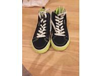 Boys size 8G trainers