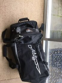 Animal travel bag. 110 litre capacity multiple internal pockets. Approx dimensions 70 x 35 x35.
