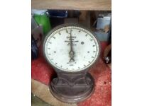 ANTIQUE VINTAGE SALTER WEIGHTING SCALES £20