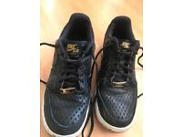 Nike air trainers size 4.5