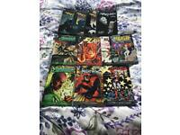 DC Comic bundle including Green Lantern, Batman, Harley Quinn, The Flash, Red Hood and the Outlaws