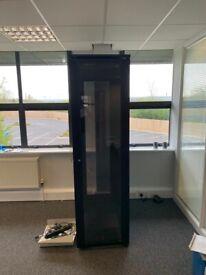 Computer server cabinet/Server Rack