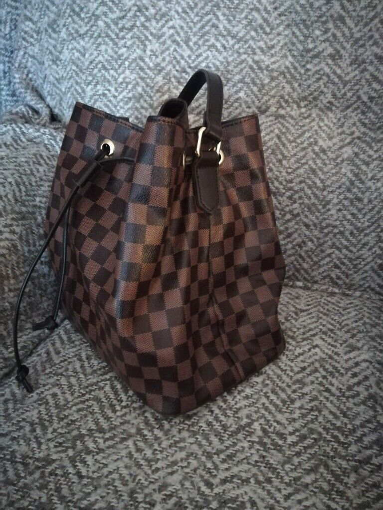 1614934775 Brown Tan Check LV Noe Style Bag Drawstring Shoulder Strap New Without Tags