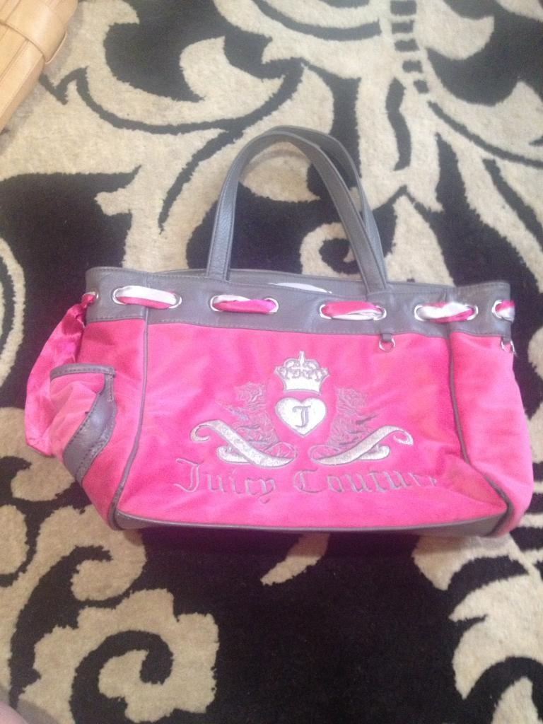 Ladies large tote handbagin Warrington, Cheshire - Excellent condition  Ladies large tote handbag. Posted 77a007e293