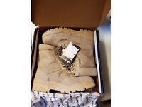 desert boot never worn