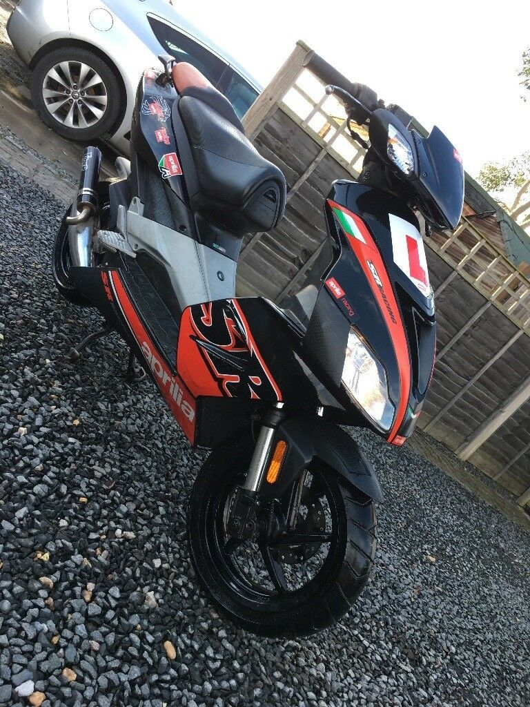 Aprilla sr50r Moped.