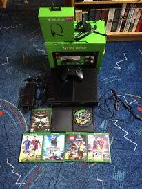 Xbox One 500gb with 6 games, controller, headset, leads and HDMI cable.
