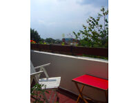 Very bright 2 bedroom maisonette flat with 2 large balconies and great views