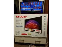 Like New 32 Inch/81 cm LED Sharp Smart TV