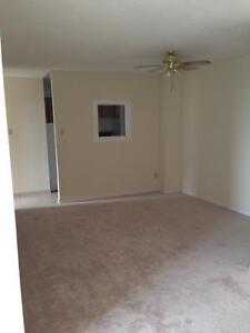 130 & 140 Lincoln Road - One Bedroom Apartment Apartment... Kitchener / Waterloo Kitchener Area image 6