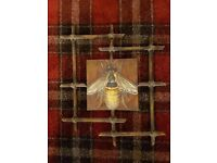 Bumble bee wall plaque