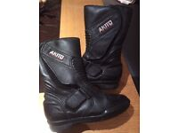 Women's leather size 4 motorbike boots