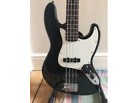 Fender Squier Precision Bass - Made in Korea - Mint!