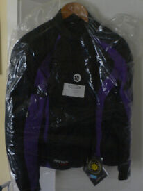 Rayven Ladies Textile bike jacket says 18 but more of a 16. BNWT