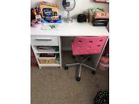 White desk & Pink chair