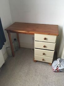 Dressing Table £5 London CATFORD