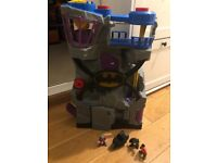 Imaginext Batcave with three figures vgc