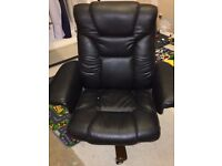 Black Leather Very Comfy Arm Chair