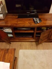 ****SOLID WOOD TV STAND AND SIDE TABLE £170 ONO FOR BOTH****