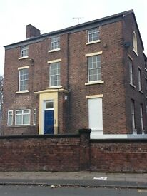 Lovely large 2 bedroom ground floor flat in Georgian House with gated parking bed L20 Un furnished
