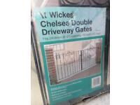 CHELSEA DOUBLE DRIVEWAY GATES (brand new sealed)