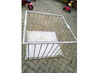 Free wooden play pen