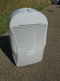 Wickes Dehumidifier In Good working Order Nice And Clean.
