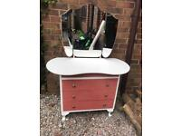 Very pretty child's dressing table/chest of drawers