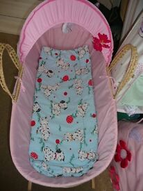Moses Basket- smoke/pet free home, great condition
