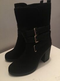 New Look - Black Suede Boots size 6