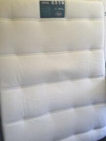 GRAB A BARGAIN!! 4ft6 pillowtop mattress