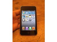 32GB Apple iPod Touch 3rd Generation with Charger