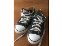 Genuine black kids converse UK 2 EUR 34