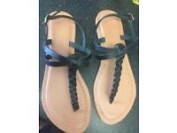 Black sandals size 5