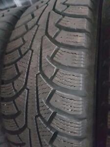 4 pneus d'hiver 185/60/15 Nokian Nordman 5