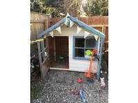 Wooden play house / Wendy house