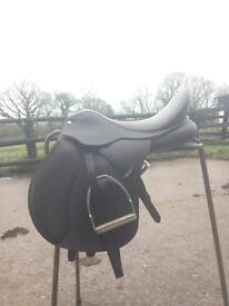 "17.5"" saddle for sale"