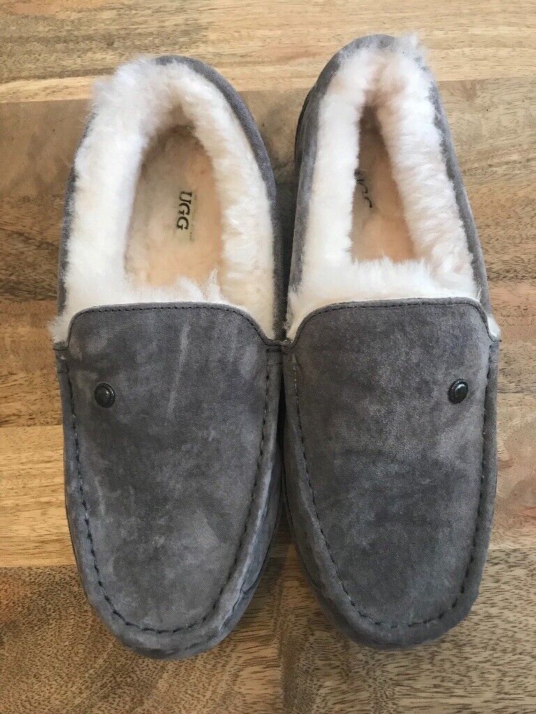cc66882a4e9 MENS GENUINE UGG SLIPPERS NEVER WORN | in Stonehouse, Gloucestershire |  Gumtree