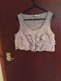 Flower print cropped top new look size 12