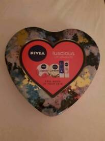 Nivea lip gift set