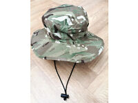 ARMY ISSUE: BOONIE/ JUNGLE / BUSH HAT MTP CAMO OUTDOORS - NEW UNISSUED CONDITION MEDIUM / SIZE 56cm