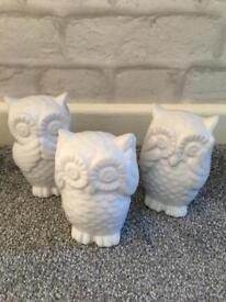 3 x ceramic owls mint condition
